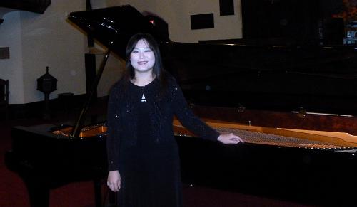 Ang Li Performs at Central